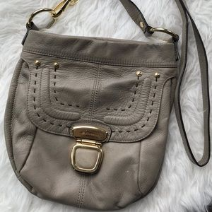 B. Makowsky cossbody purse